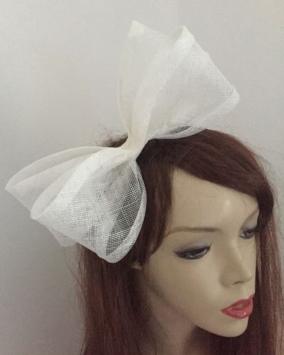 Ivory Bow Fascinator