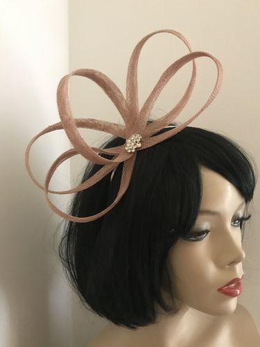 Nude Twist Fashion Fascinator