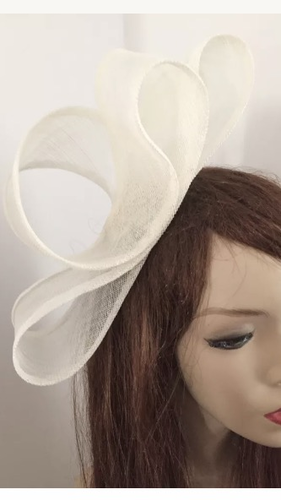 Ivory Loop Fascinator Hat