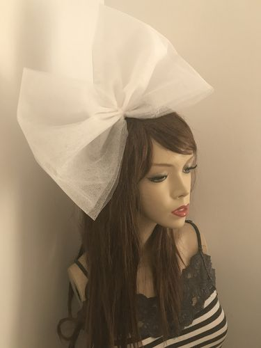 White Big Tuille Bow